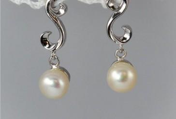 Cercei din argint – Bijuterii Janette te ajuta sa alegi cadoul potrivit!