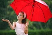 V-ati saturat de umbrele care sunt mai mult inutile decat practice?