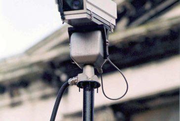 Daca doriti echipamente de supraveghere de ultima ora, incercati camere cu ip ascunse