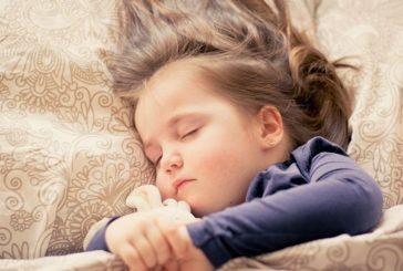 Ora la care trebuie să se culce copilul tău – dilema programului de somn al copiilor.
